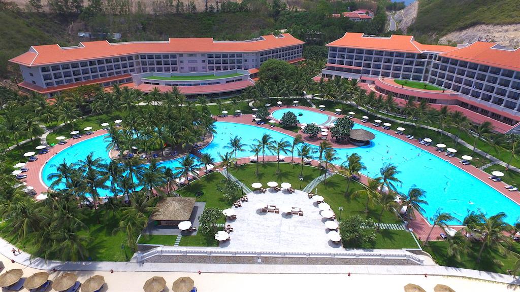 tien do xay dung Vinpearl Nha Trang Resort tai bai tru